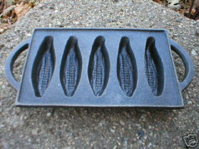SMALL CORN PAN w HANDLES CAST IRON COLLECTIBLE NR