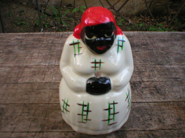 PORCELAIN WHITE MAMMY STRING HOLDER OCCUPIED JAPAN