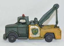 GREEN YELLOW WRECKER TOW TRUCK CAST IRON BP
