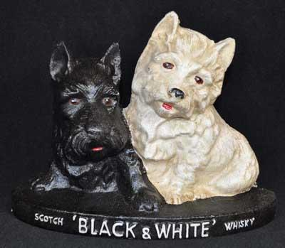 CAST IRON SCOTCH BLACK WHITE WHISKEY TWO DOGS DOORSTOP