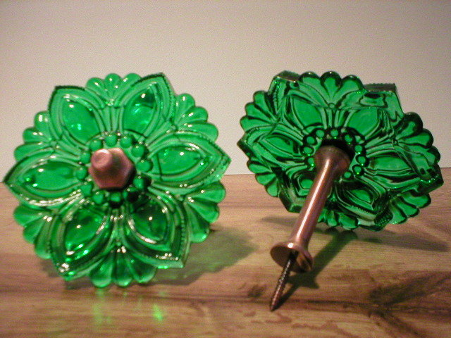 1 PAIR DARK GREEN CURTAIN DRAPERY  GLASS TIE BACKS V