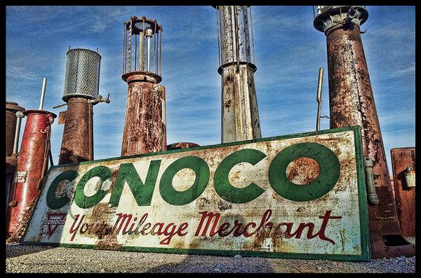 CONOCO YOUR MILEAGE MERCHANT old visible gas pumps HEAVY METAL sign
