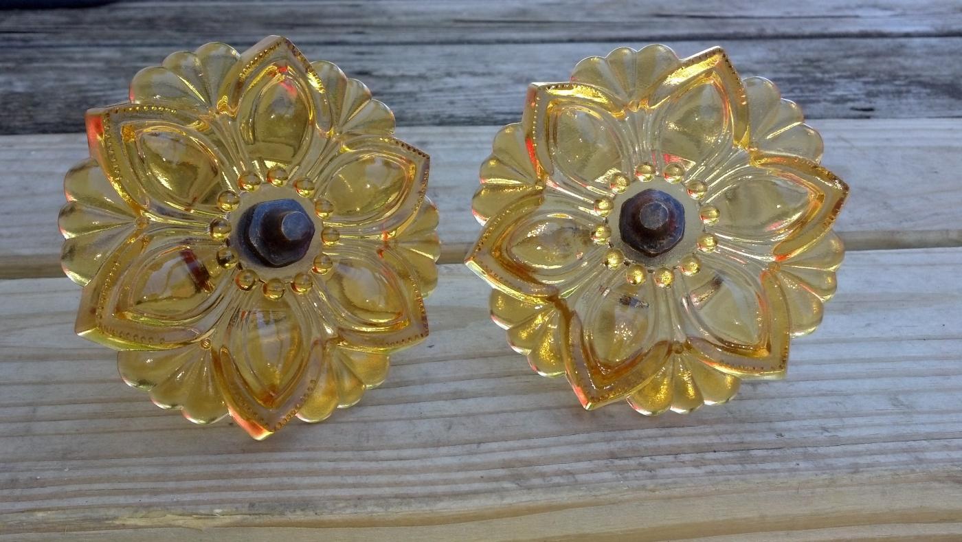 GLASS CURTAIN DRAPERY GLASS TIEBACKS GOLD COLORED ORNATE ONE SET