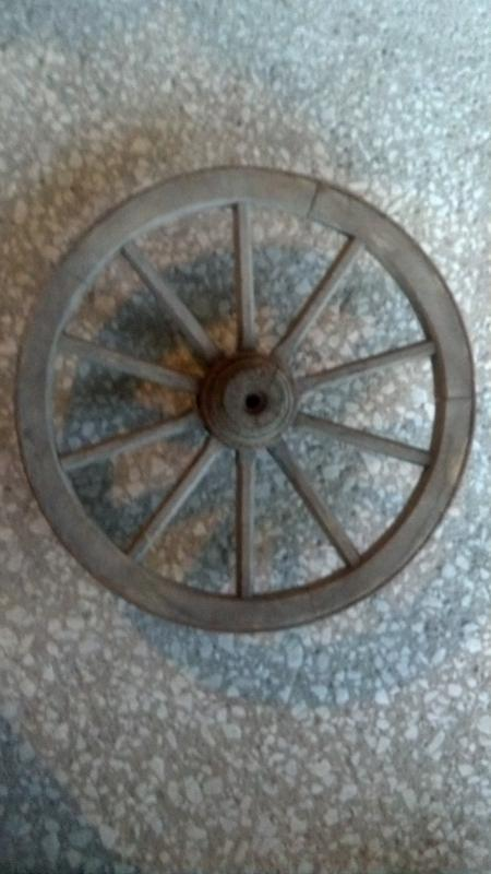 Small Old Wood Wagon Wheel Steel Rim Band Cabin Lodge Man Cave Home Garage Decor