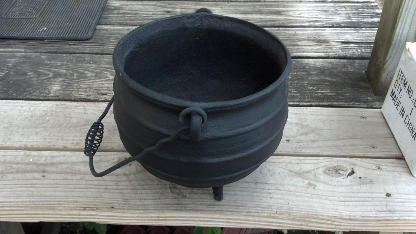 Outdoor Campfire Cooking Kettle w/Handle Open Fire Cast Iron Cabin Decor