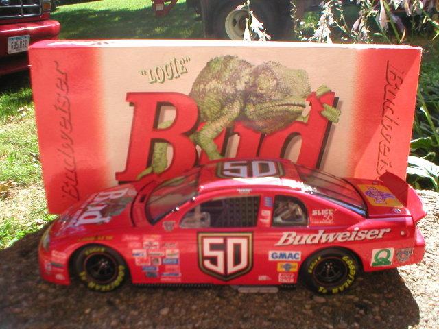 BUDWEISER NASCAR 1:24 ACTION DIECAST LOUIE LIZARD CAR