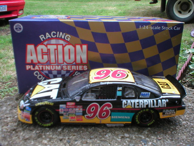 DAVID GREEN ACTION 1:24 CATERPILLAR DIECAST CAR G