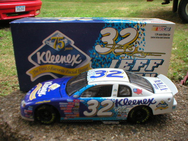 JEFF GREEN 1:24 #32 KLEENEX DIECAST CAR G