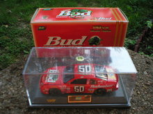 BUDWEISER LOUIE THE LIZARD 1:43  DIECAST CAR