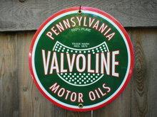VALVOLINE OIL PORCELAIN-COATED SIGN METAL ADV SIGNS V