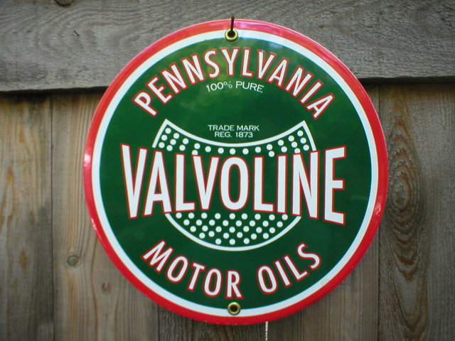VALVOLINE OIL PORCELAIN-COATED SIGN METAL ADV SIGNS V