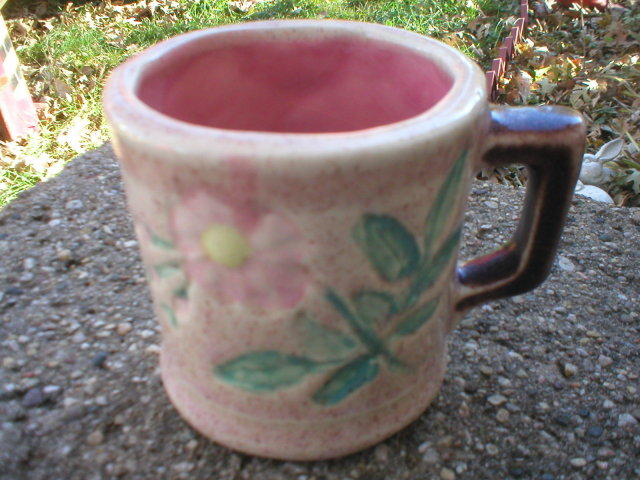MAJOLICA ETRUSCAN MUG IOWA COLLECTORS ITEM
