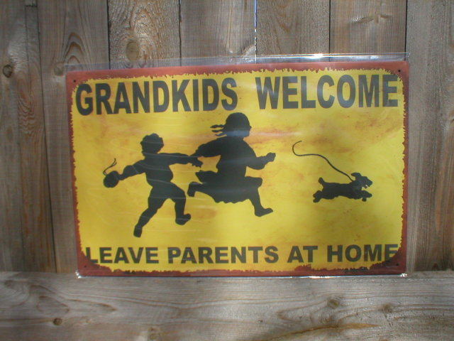 GRANDKIDS WELCOME TIN METAL SIGN