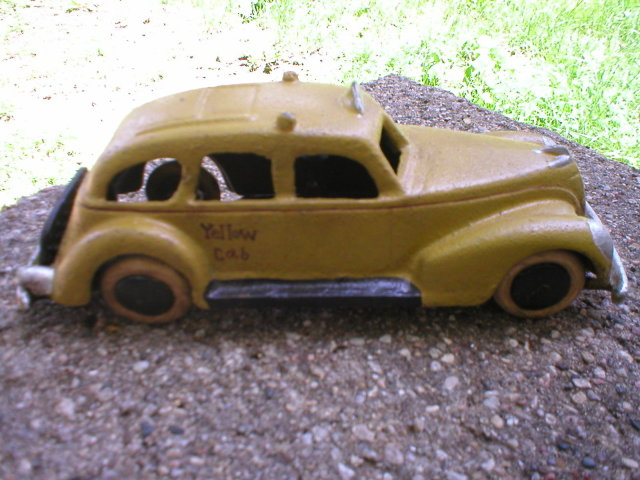 CAST IRON YELLOW CAB TAXI TO CAR DECORATIVE IRONWARE C