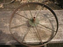 OLD SMALL IRON WHEEL DECORATIVE HOME GARDEN DECK DECOR