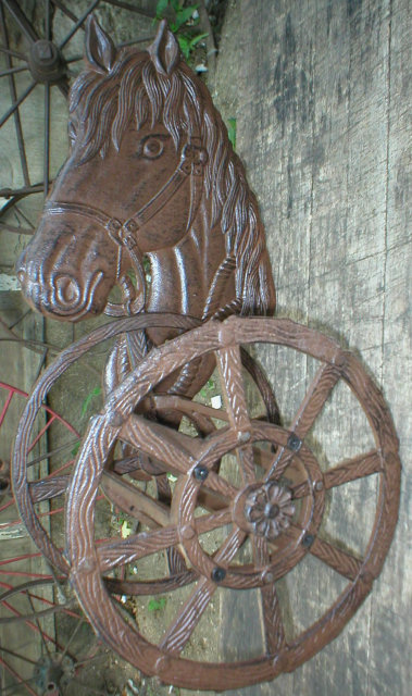 UNIQUE CAST IRON HORSE HOSE REEL HOLDER H