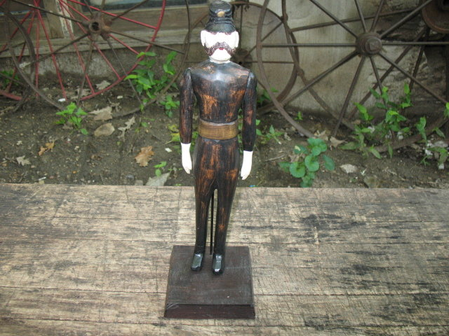 WOODEN ENGLISH POLICEMAN STATUE HOME OFFICE DECOR P