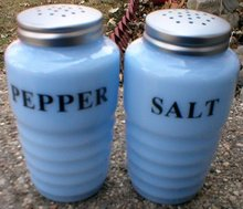 ONE SET DELPHITE RIBBED SALT & PEPPER SHAKERS D