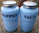 ONE SET DELPHITE RIBBED SALT & PEPPER SHAKERS D