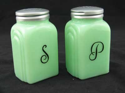 JADE JADITE ARCH SALT & PEPPER SET J
