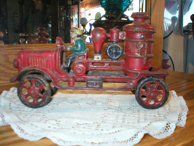 CAST IRON FIRE ENGINE IRONWARE DECOR F