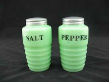 JADE JADITE JADEITE RIBBED SALT & PEPPER SHAKERS J