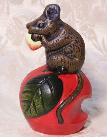 CAST IRON APPLE AND MOUSE DOORSTOP A