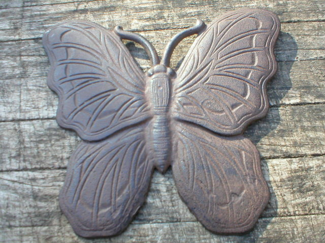 CAST IRON RUSTIC BUTTERFLY STEPPING STONE B