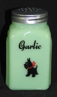 JADE JADITE JADEITE SCOTTY GARLIC SHAKER S