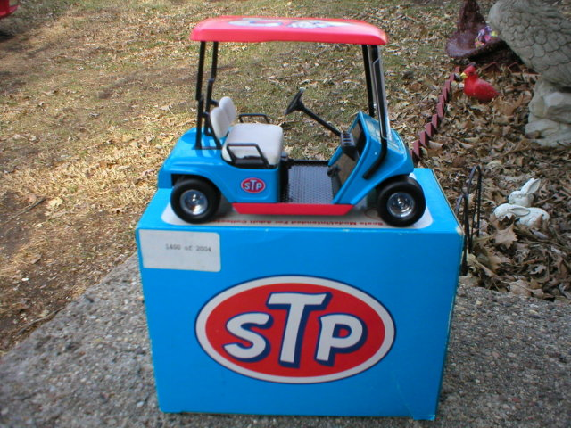 RICHARD PETTY STP 1:16 SCALE DIE CAST GOLF CART BANK