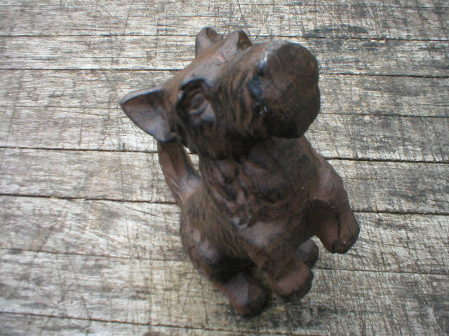 BEGGING SCOTTY DOG CAST IRON