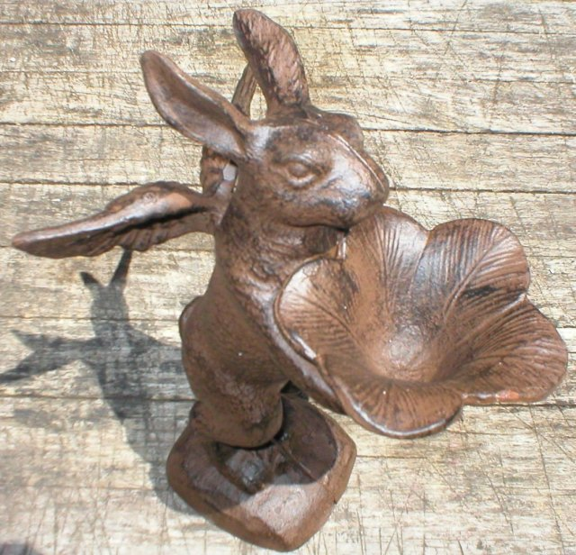 RUSTIC BUNNY BUTLER CAST IRON