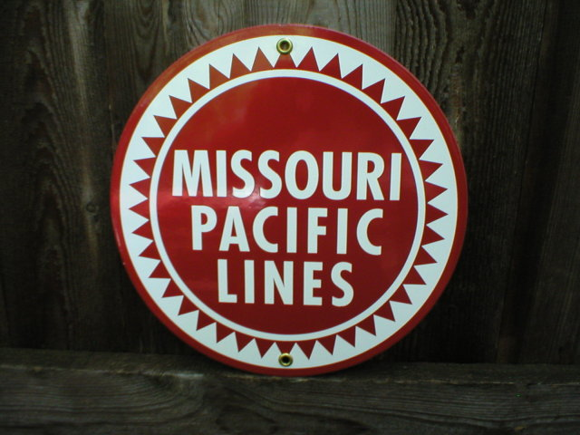 MISSOURI PACIFIC LINES PORCELAIN-COATED RAILROAD SIGN A