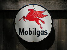 MOBILGAS PORCELAIN COAT SIGN METAL ADV SIGNS M