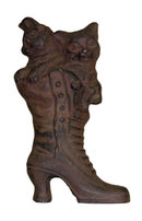 CAST IRON RUSTIC CAT IN BOOT C