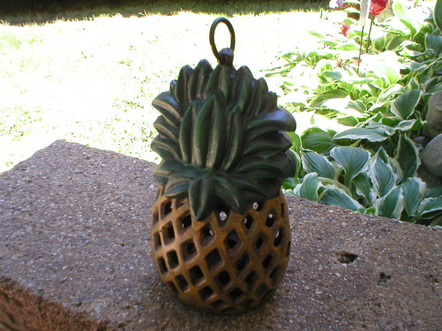 CAST IRON PINEAPPLE CANDLE LANTERN P