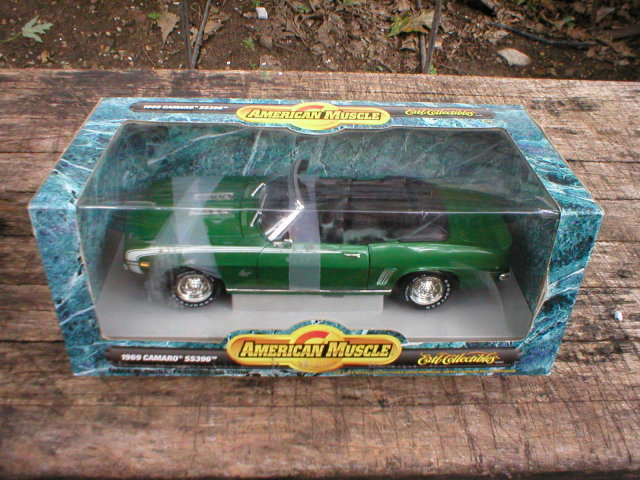1969 AMERICAN MUSCLE 1:18 GREEN CAMARO CONVERTIBLE SS396