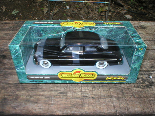 1949 AMERICAN MUSCLE 1:18 BLACK MERCURY COUPE