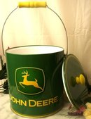 JOHN DEERE INSULATED METAL ICE BUCKET C