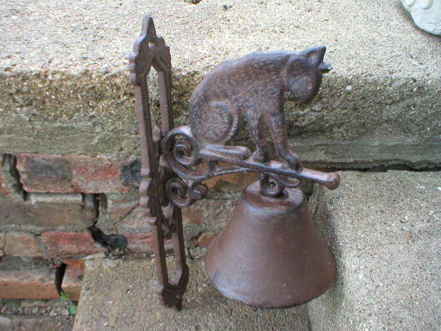 CAST IRON CAT BELL UNIQUE WALL DECOR F