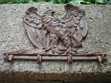 CAST IRON EAGLE FOUR HOOK WALL PLAQUE E