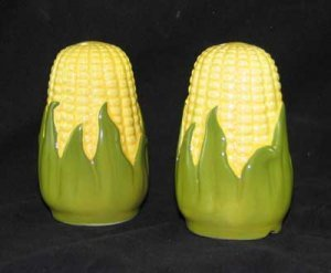 SALT  PEPPER SET SMALL CORN KING