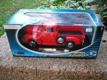 1:18 RED 1953 DIECAST CHEVROLET PICKUP