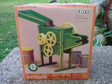 ERTL 1/8 SCALE DIE-CAST CORN SHELLER C