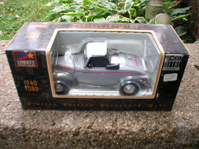 GRAY DIECAST 1940 FORD CONVERTIBLE