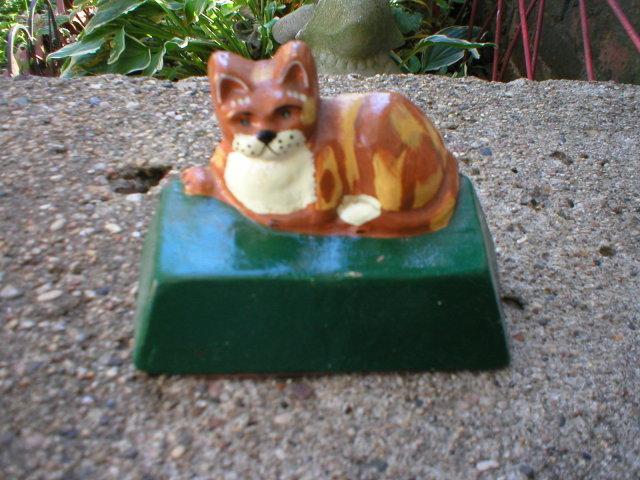 CAST IRON SMALL CAT DOORSTOP C