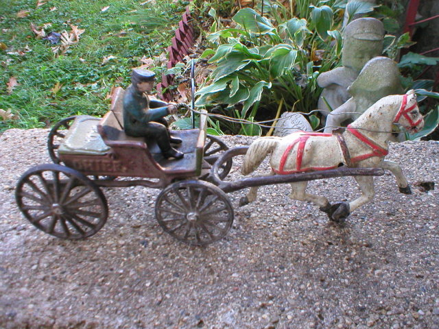 CAST IRON POLICE CHIEF HORSE & BUGGY P