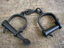 ANTIQUE VINTAGE STYLE CAST IRON HAND CUFFS