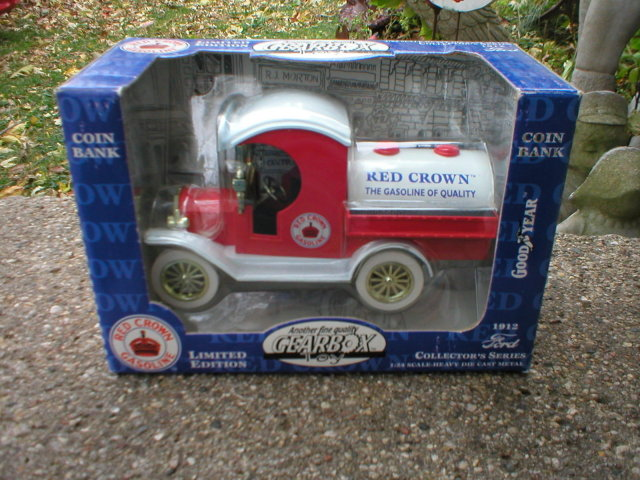 RED CROWN GASOLINE 1:24 DIECAST 1912 FORD TANKER COIN BANK