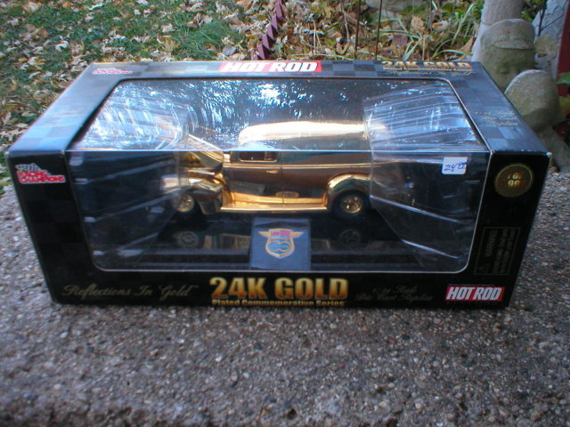 1:24 24K GOLD DIECAST 1940 FORD TRUCK